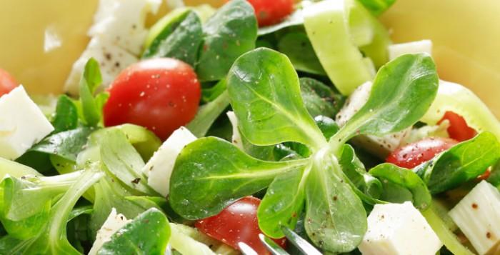 間違いなく痩せる!食事の前に必ずサラダ、野菜を食べる習慣